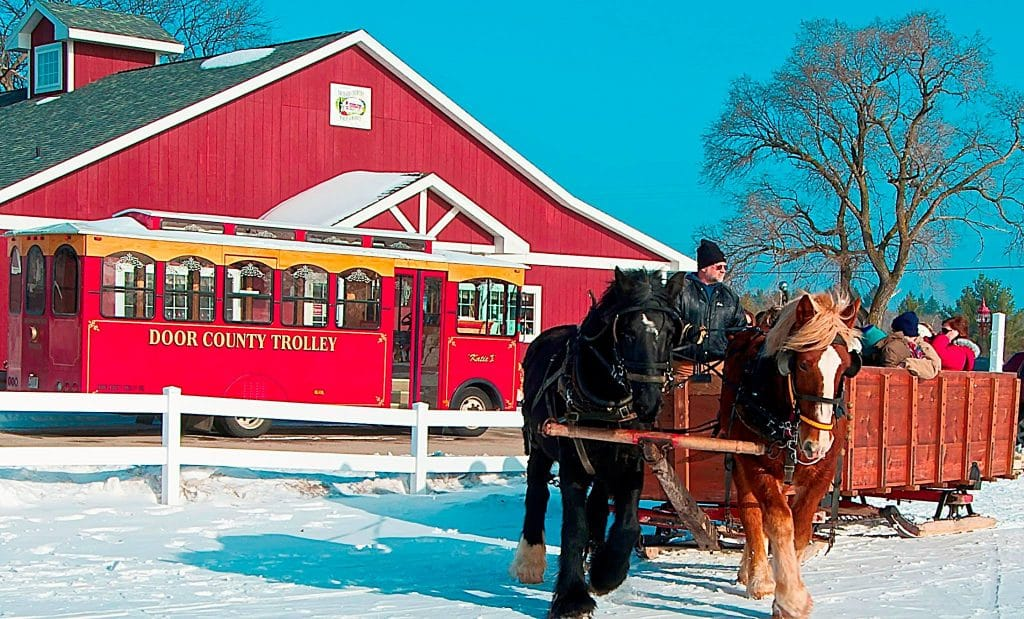 Check out our great options for seasonal packages including wineries and carriage rides.